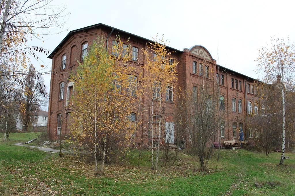 Die Puppenfabrik (IV)