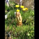 Tiki-Kopf in Tulpen